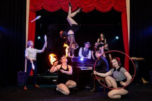SWING MEETS CIRCUS CABARET!